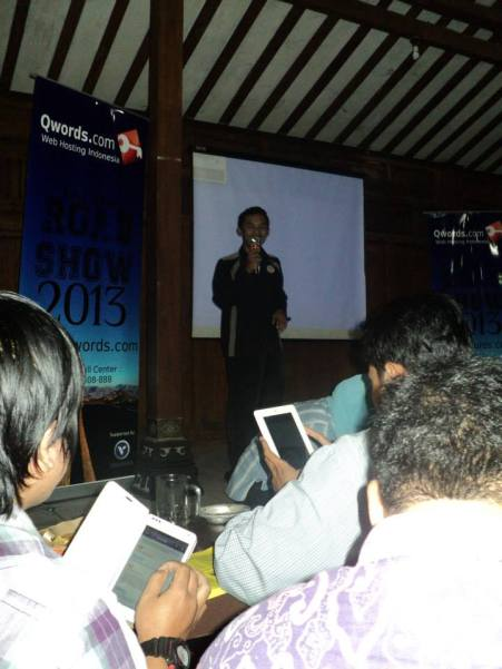 stand up comedy - Sigit Java #QwordsRoadShow